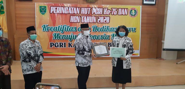 Guru Berjasa Dr. Suparmi, S.IP., S.Psi.